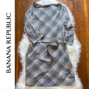 ✨Banana Republic Flannel Belted Dress✨